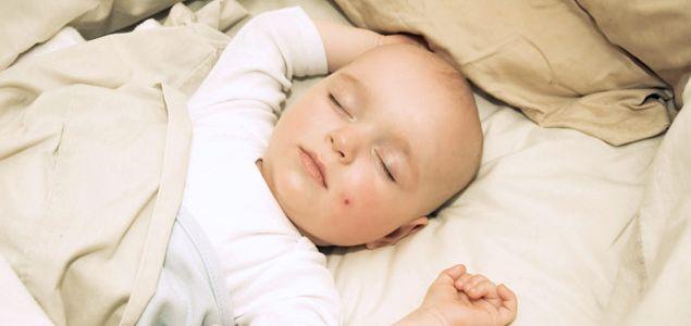 wenn das baby nicht schlafen kann babyguide. Black Bedroom Furniture Sets. Home Design Ideas